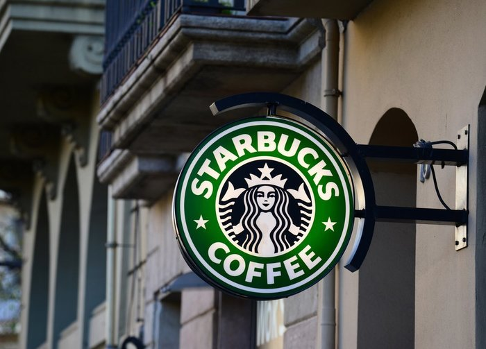 starbucks sign editorial_real life design