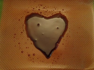heart-shaped-pressed-rosin-cannabis