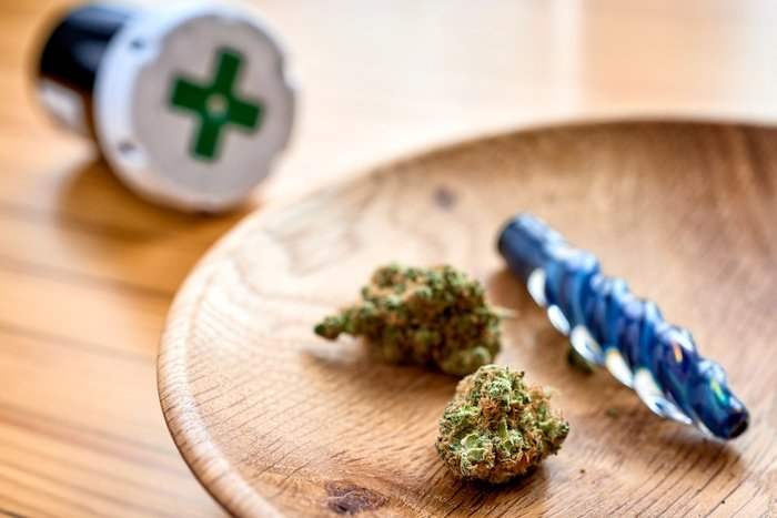 medical cannabis and one hitter pipe