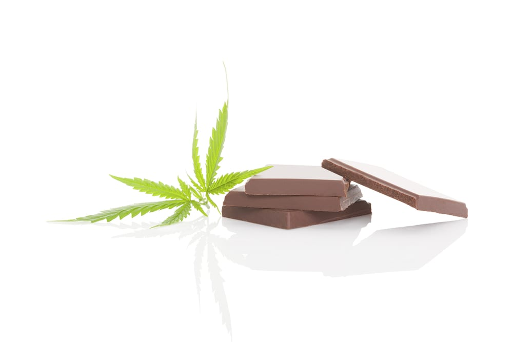 cannabis chocolate and leaf