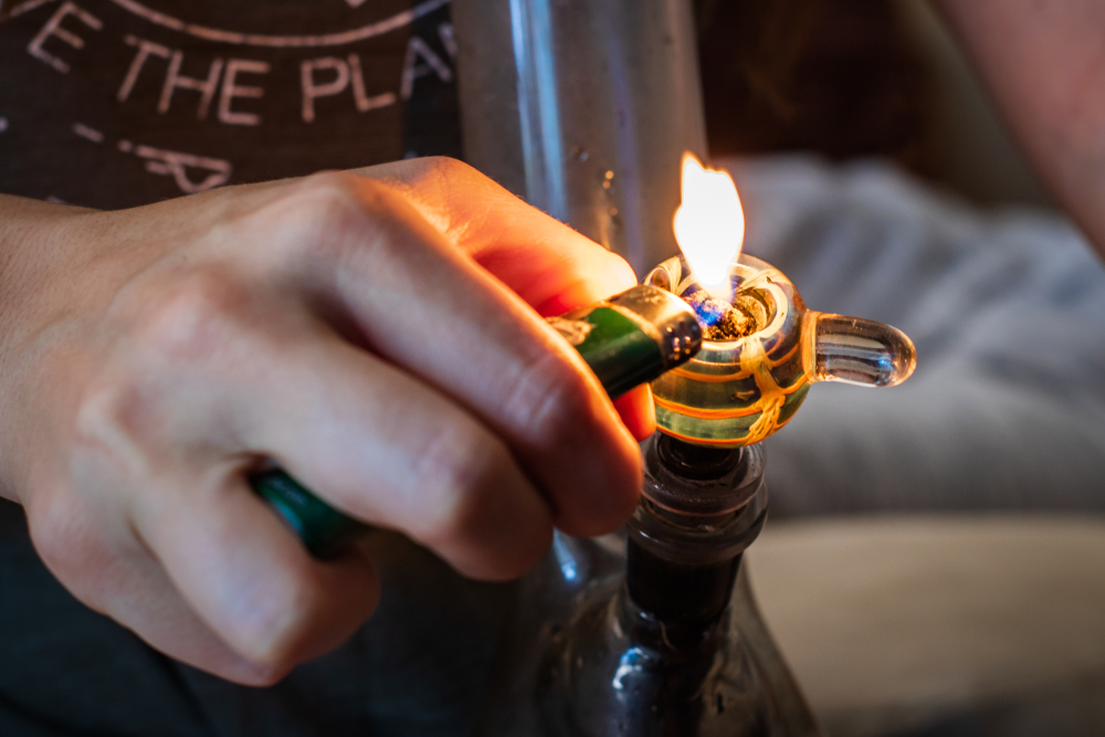 lighting a bong with lighter